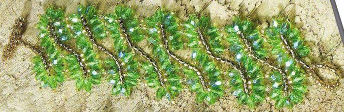 схема плетения крупного браслета из бисера.