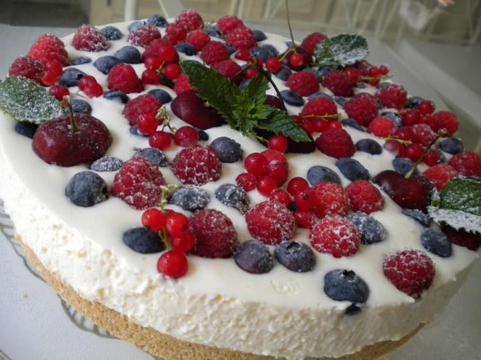 рецепт творожный торт с ягодами