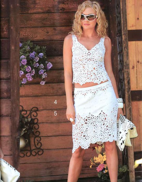В свой цитатник или сообщество!  Белый костюм от Флоры Мази.