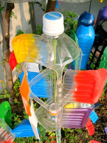 Вертушка из бутылки для дачи фото