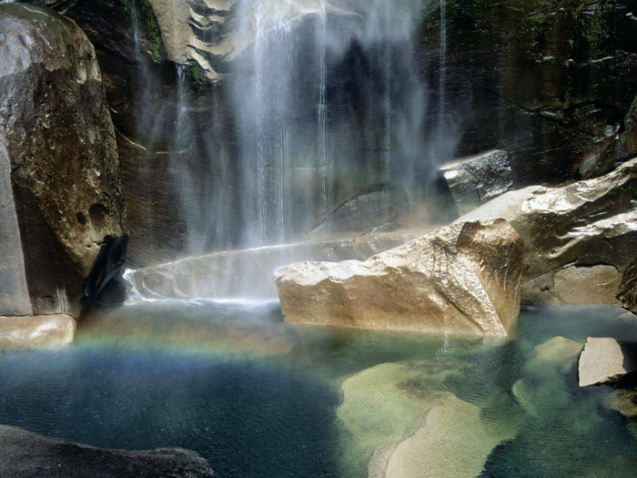 Vernal-Falls-Yosemite-California6 (700x525, 147Kb)