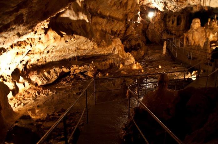 Медведь Пещера в селе Chiscau - Румыния - Bears' Cave, Chiscau, Romania, 52417