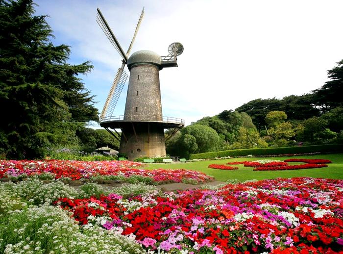 Flower-Garden-Mill-1-TTLGX4ZHF4-1280x960.jpg (изображение «JPEG», 1280x960 пикселов) - Масштабированное (58%) (700x518, 727Kb)