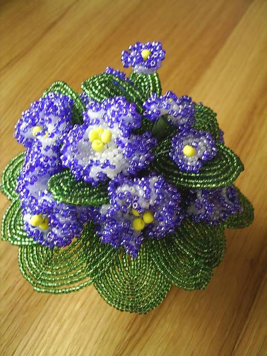 Цветы, деревья и сувениры из бисера, мастер-классы по бисероплетению, изготовление изделий.  Как заплести косу из 4...