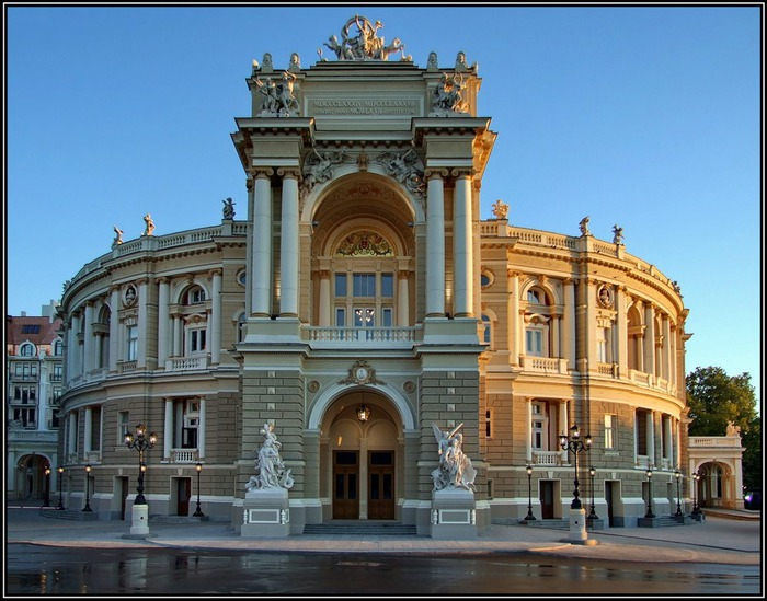opera_theatre_vid (700x549, 119Kb)