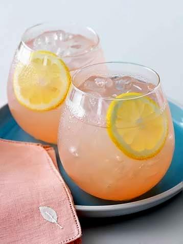 1217467721_lemonade2 (358x477, 35Kb)