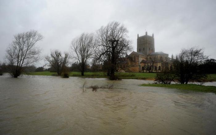 Сильные ветры, дожди и наводнения поглотили Англию. Обсуждение на ...