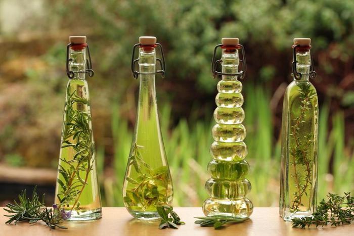Растяжки на коже: помогут эфирные масла