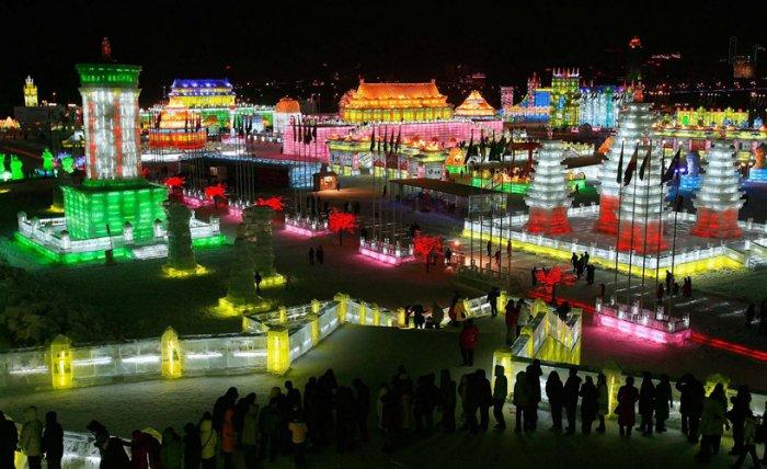 фестиваль ледяных скульптур харбина (700x428, 317Kb)