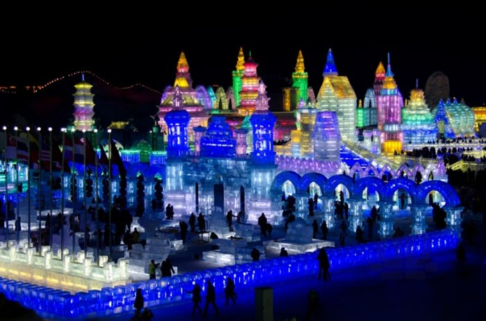 фестиваль ледяных скульптур харбина 4 (700x462, 301Kb)