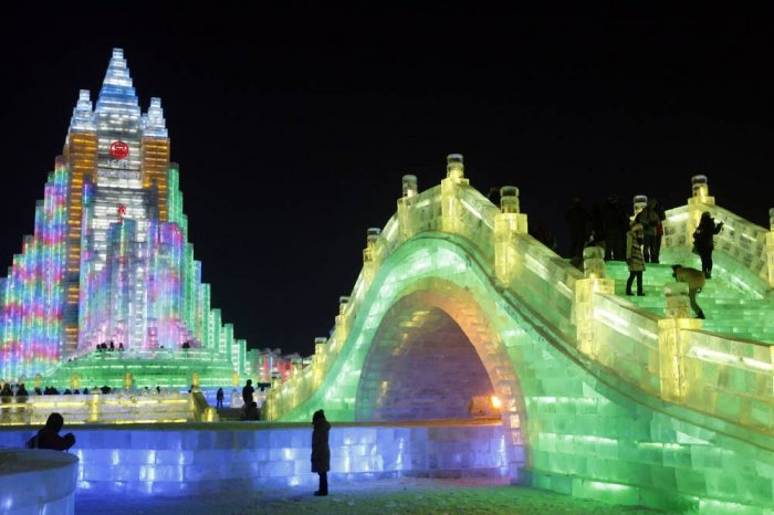 фестиваль ледяных скульптур харбина 17 (700x466, 224Kb)