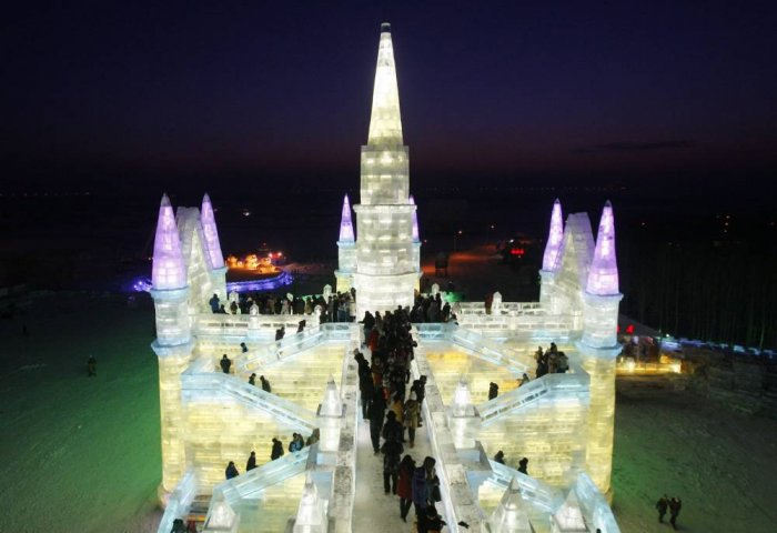 фестиваль ледяных скульптур харбина 18 (700x480, 196Kb)
