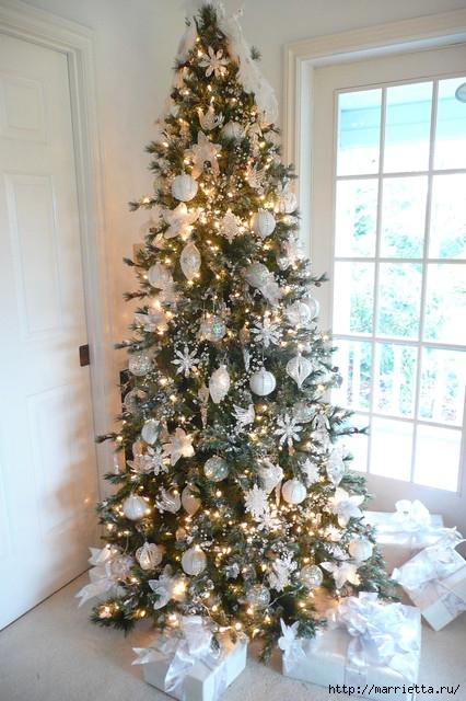 Самые красивые рождественские идеи. Елки в интерьере (11) (426x640, 223Kb)