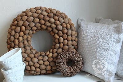 рождественский венок из грецких орехов (47) (400x267, 88Kb)