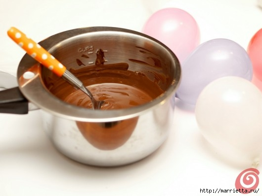 Шоколадные вазочки для мусса из белого шоколада. Праздничный десерт (2) (530x398, 83Kb)