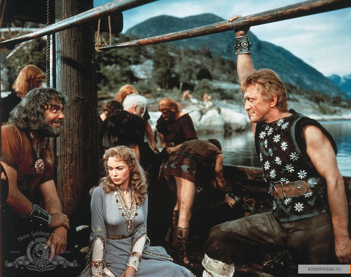 kinopoisk.ru-The-Vikings-1660418 (700x551, 121Kb)
