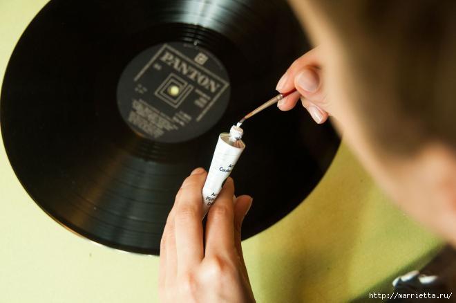 Un regalo para un fanático de la música.  Horas de vinilo (5) (660x438, 84Kb)