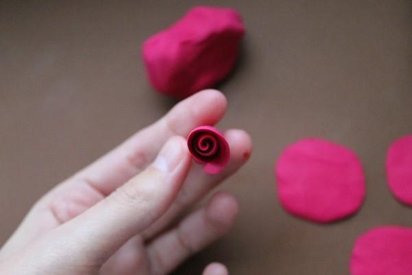 Розы из полимерной глины. СЕРДЦЕ ИЗ РОЗ (7) (600x400, 83Kb)