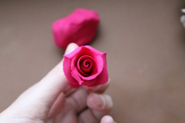 Розы из полимерной глины. СЕРДЦЕ ИЗ РОЗ (11) (600x400, 79Kb)
