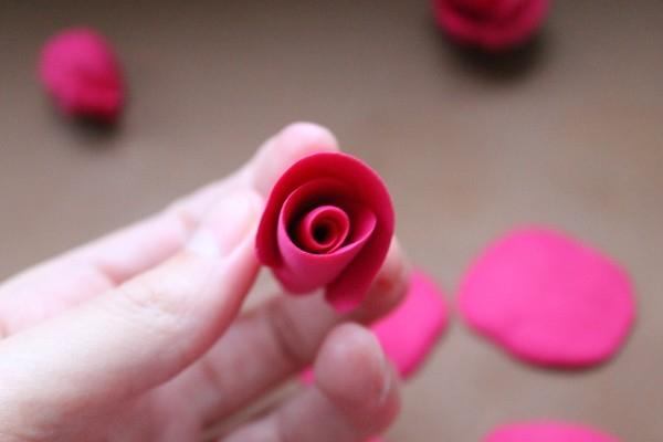 Розы из полимерной глины. СЕРДЦЕ ИЗ РОЗ (17) (600x400, 81Kb)