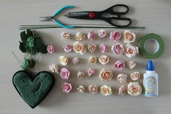 Розы из полимерной глины. СЕРДЦЕ ИЗ РОЗ (31) (600x400, 130Kb)