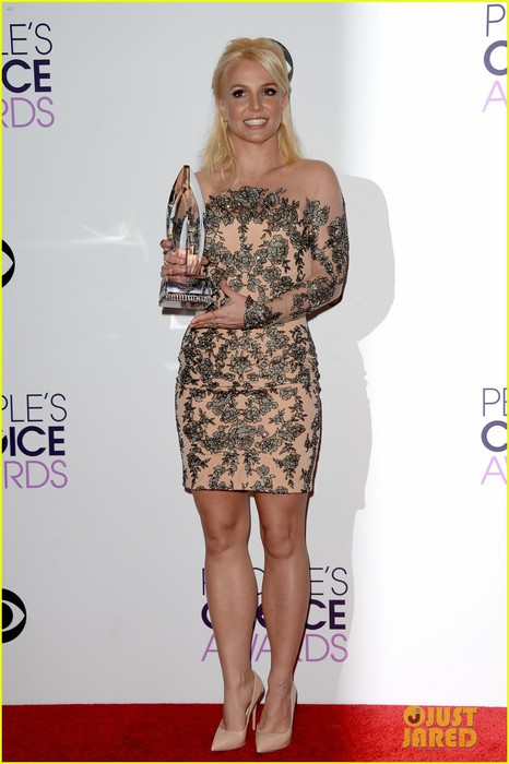 britney-spears-peoples-choice-awards-2014-with-david-lucado-03 (466x700, 65Kb)