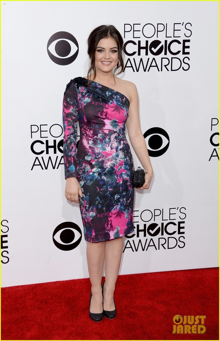 lucy-hale-peoples-choice-awards-2014-red-carpet-02 (452x700, 80Kb)