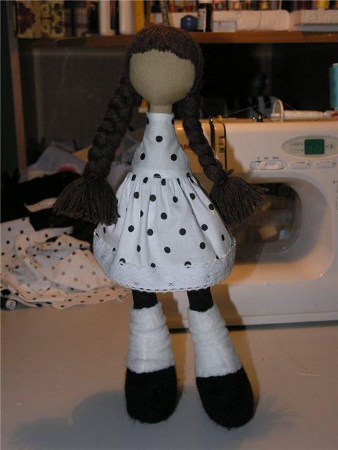 Выкройка куколки снежки с цельной головой