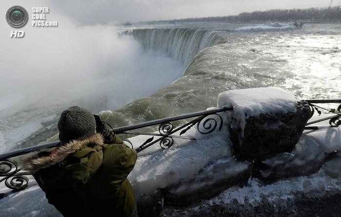 замерзший ниагарский водопад фото 5 (700x445, 218Kb)