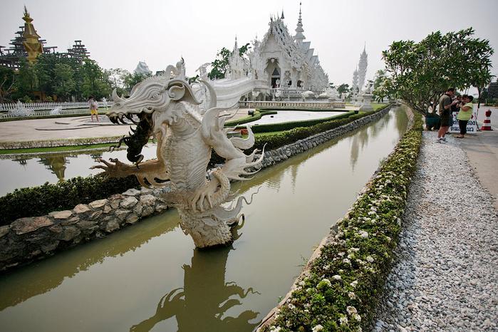 белый храм таиланд фото 1 (700x466, 424Kb)