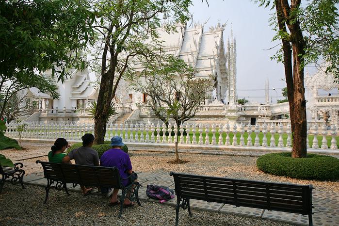 белый храм таиланд фото 2 (700x466, 543Kb)