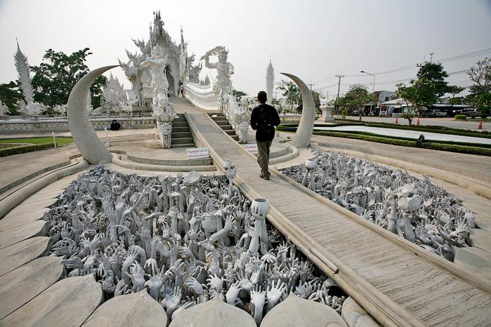 белый храм таиланд фото 7 (700x466, 406Kb)