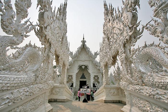 белый храм таиланд фото 10 (700x466, 446Kb)