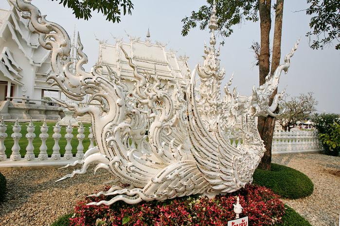 белый храм таиланд фото 12 (700x466, 522Kb)