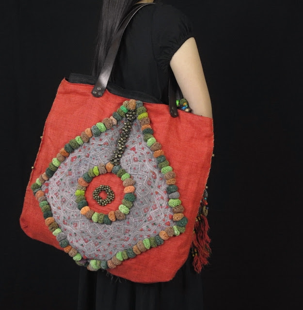 Red Hemp BoHo Bag Medium Size Decorate Vintage Hill Tribe Fabric 1 (625x640, 193Kb)