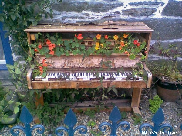 abandoned-piano (600x450, 208Kb)