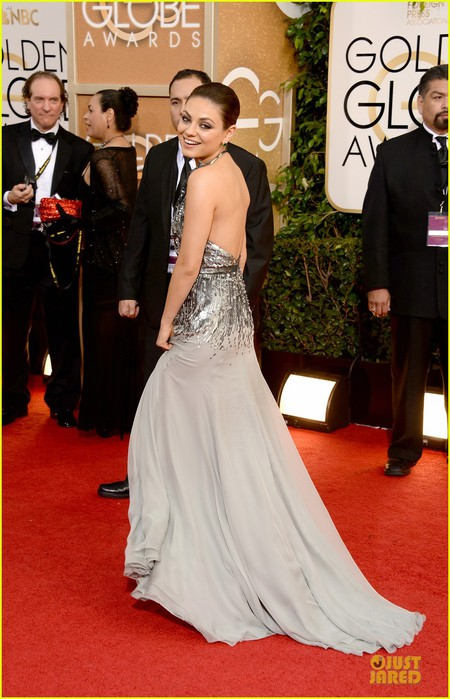 mila-kunis-golden-globes-2014-red-carpet-06 (450x700, 94Kb)