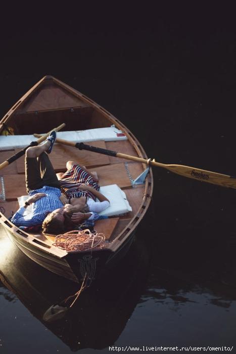 плыть для лодке любви