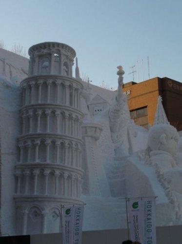 5148447_1291796563_1291761114_amazing_snow_sculptures_36 (373x500, 22Kb)