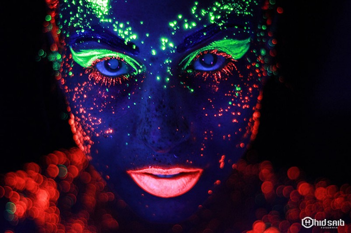'Neon Project' в чёрном cвете и ярких красках