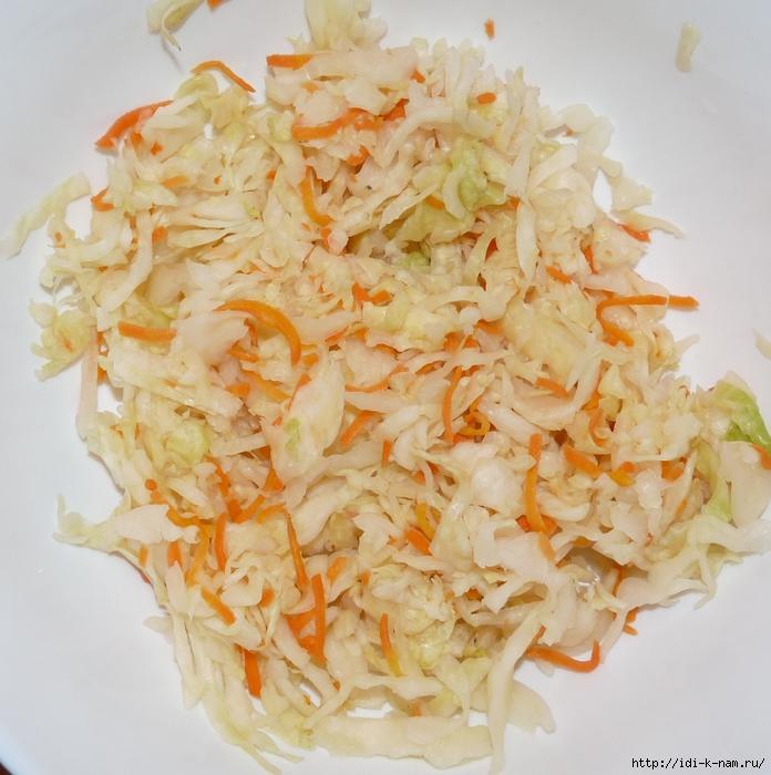 вкусный простой салат из квашенной капусты с ветчиной