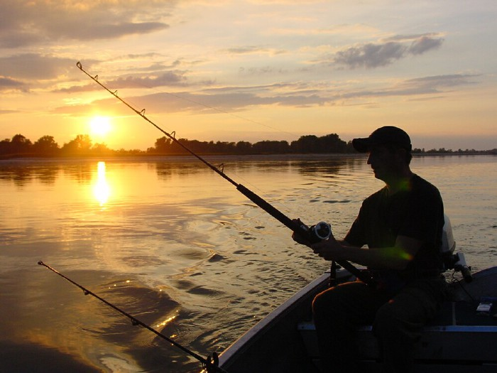 3875377_fishing_01 (700x525, 76Kb)