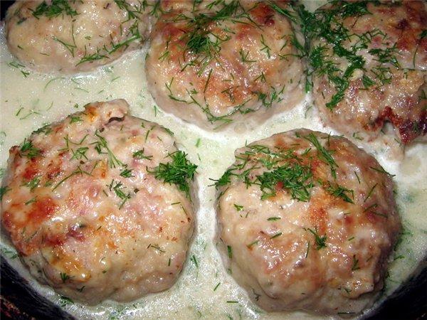 Котлеты в духовке с подливкой из сметаны пошаговый рецепт с фото