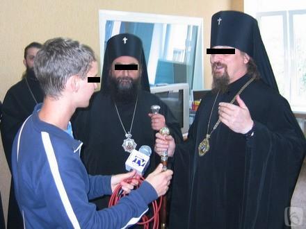 3 до ночи рекламируется православие (440x330, 22Kb)