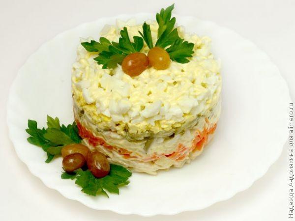 Нежный салат с кальмарами рецепт