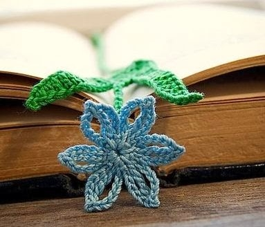 Закладки для книжки из цветочков крючком. Схемы цветов (37) (383x328, 77Kb)
