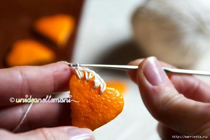 Апельсиновые сердечки с обвязкой крючком. Идея для декора подарка (1) (700x466, 163Kb)