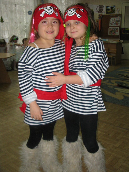 Костюм пирата для девочки из подручных материалов своими руками 18
