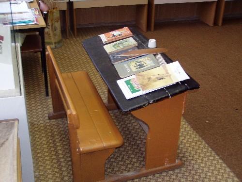 как выбрать стол парту для ребенка/4682845_parta (500x375, 59Kb)