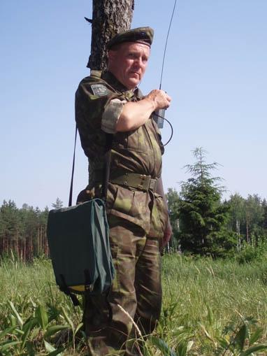 благодаря этому эстонскому офицеру, инструктору НАТО украинские парни и девушки получили все необходимые навыки для проведения диверсий и терактов, (382x509, 121Kb)
